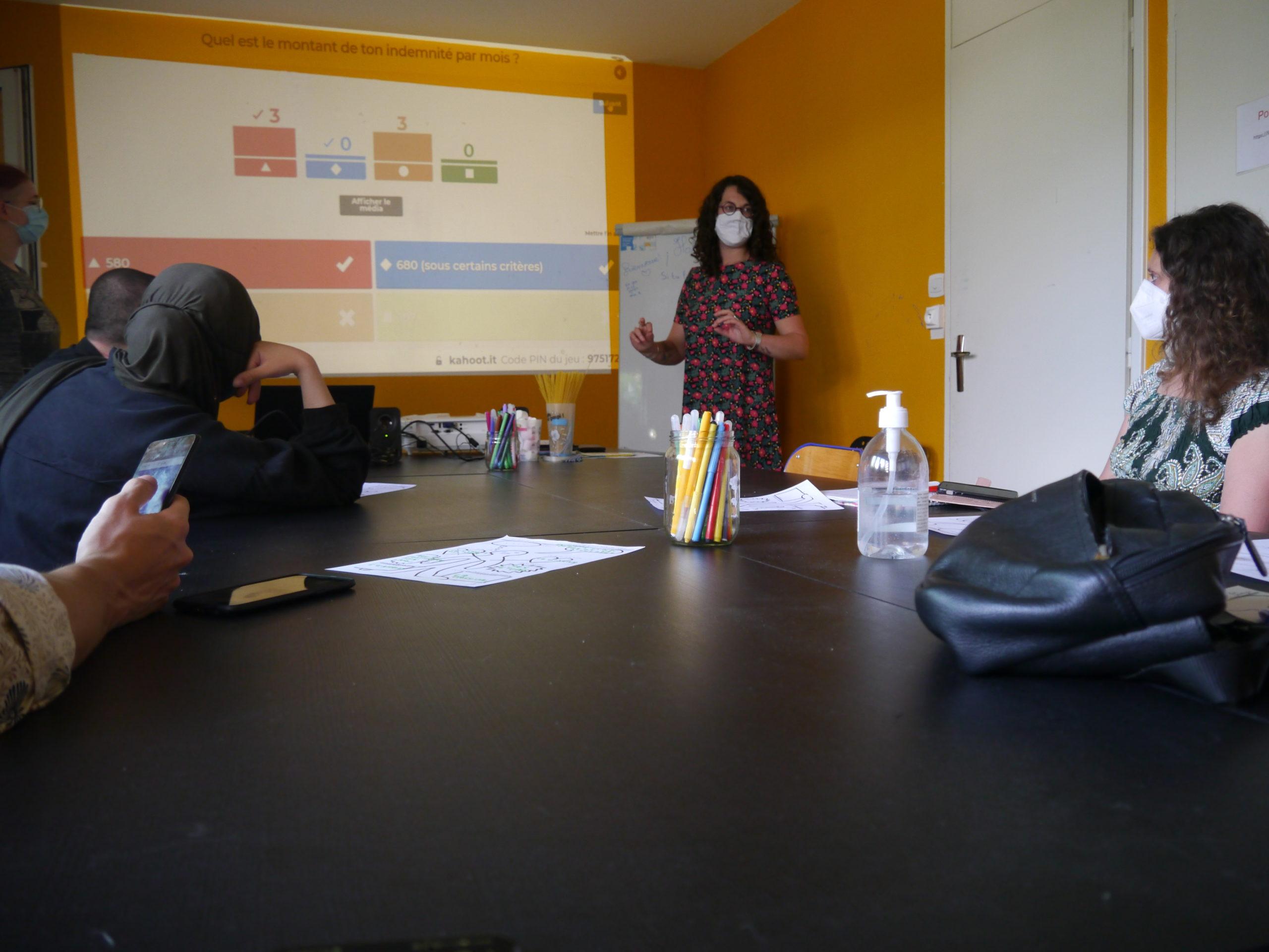 séance d'informatrion sur le service civique à Unis-Cité